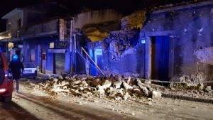 etna terremoto crolli feriti