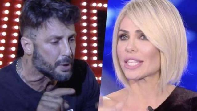 """Fabrizio Corona rivelazione su Ilary Blasi: """"Era minorenne e mi chiese di aiutarla a diventare famosa"""""""