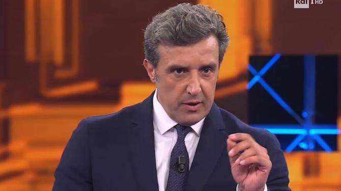 "Flavio Insinna perde la pazienza in diretta: ""Così mi affondate la puntata"""