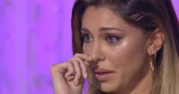 """Belen Rodriguez rivela: """"Sono partita per l'Italia per salvare mia nonna che stava morendo di cancro"""""""