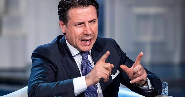 """Questione migranti, Salvini risponde a Conte: """"Altro che andarli a prendere, li rimandiamo a casa"""""""