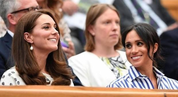 """Chi tra Meghan, William e Kate ha """"lavorato di più"""" nel 2018? Ecco la classifica con tutti i reali inglesi"""