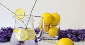 rimedio naturale contro ansia, mal di testa e stress limone e lavanda