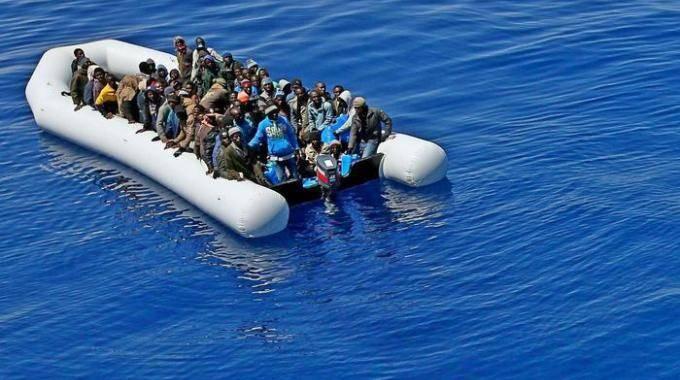 Terrorismo, kamikaze pronti per l'Italia. Sgominata tratta di migranti dalla Tunisia