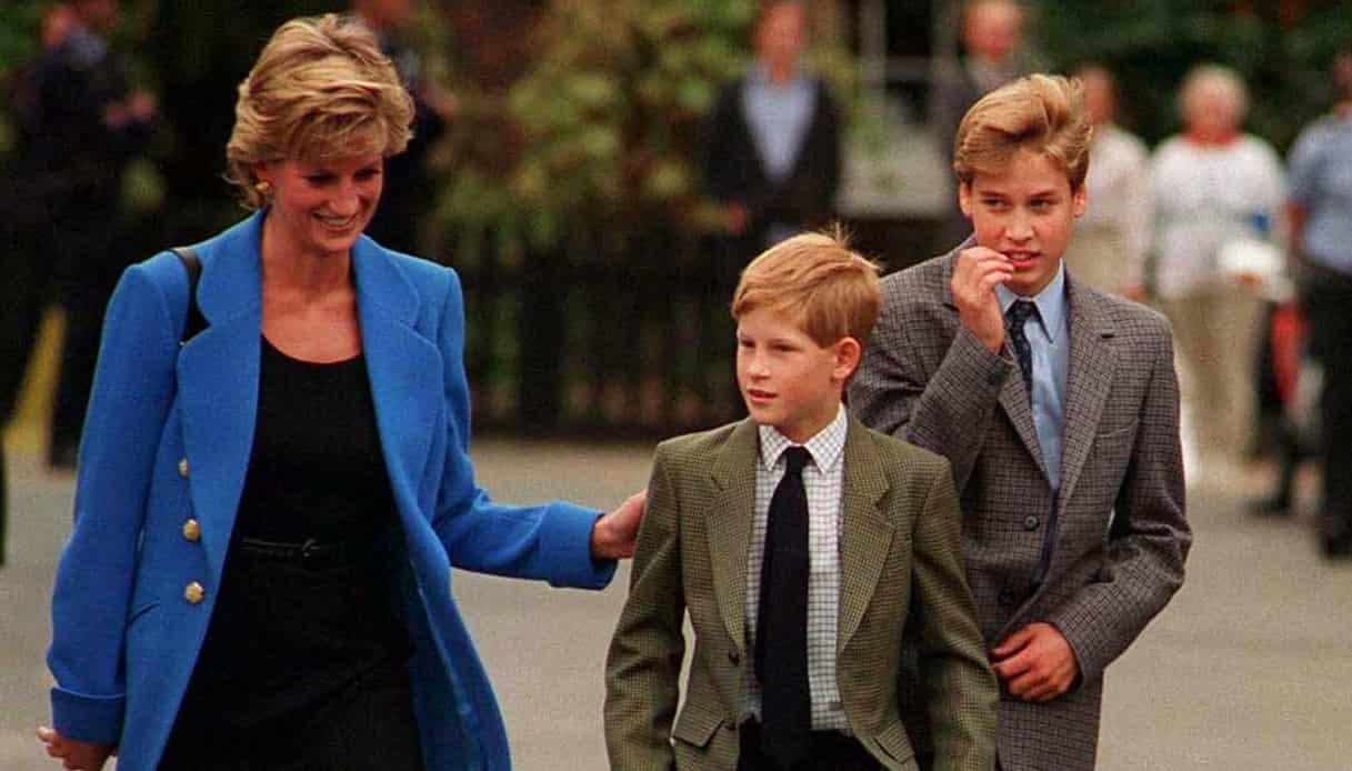 """Lady Diana, la triste rivelazione: """"Harry e William hanno impedito il suicidio"""""""