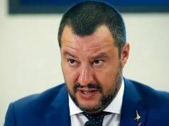 """Caso Diciotti, tutti in piazza per Matteo Salvini: """"In difesa del Capitano"""