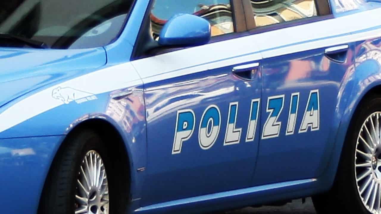 """Roma, bambina di 22 mesi picchiata dal compagno della madre: """"Non volevo"""""""