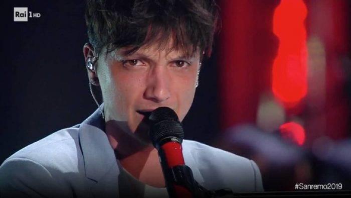 """Sanremo 2019, Ultimo polemizza e definisce Mahmood: """"Quel ragazzo che ha vinto"""""""
