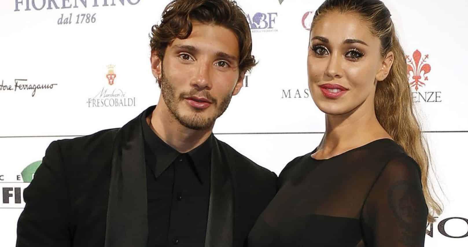 """Belen Rodriguez e Stefano De Martino, romantici su Instagram: """"Chi non ama tutto questo?"""""""