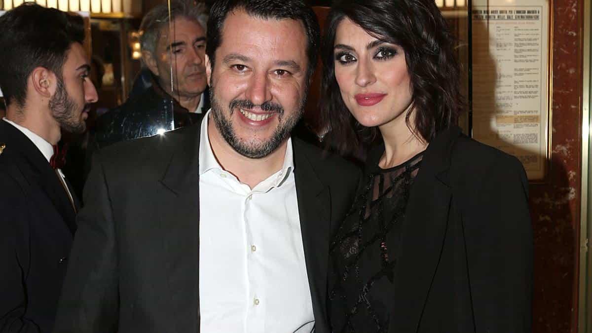 "Elisa Isoardi, si dichiara a Matteo Salvini: ""Mi manca la nostra quotidianità"""