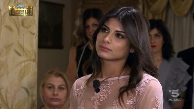 """Uomini e Donne, Giulia dopo la scelta di Lorenzo: """"Uomini semplici fanno una scelta semplice"""""""