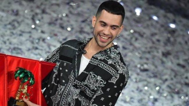 """Sanremo 2019, vince Mahmood tra critiche e fischi. Matteo Salvini: """"La canzone italiana più bella?!"""""""