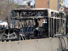 """Bus in fiamme a Milano, chi è Ouddrynou Sy: """"Da qui non esce vivo nessuno"""""""