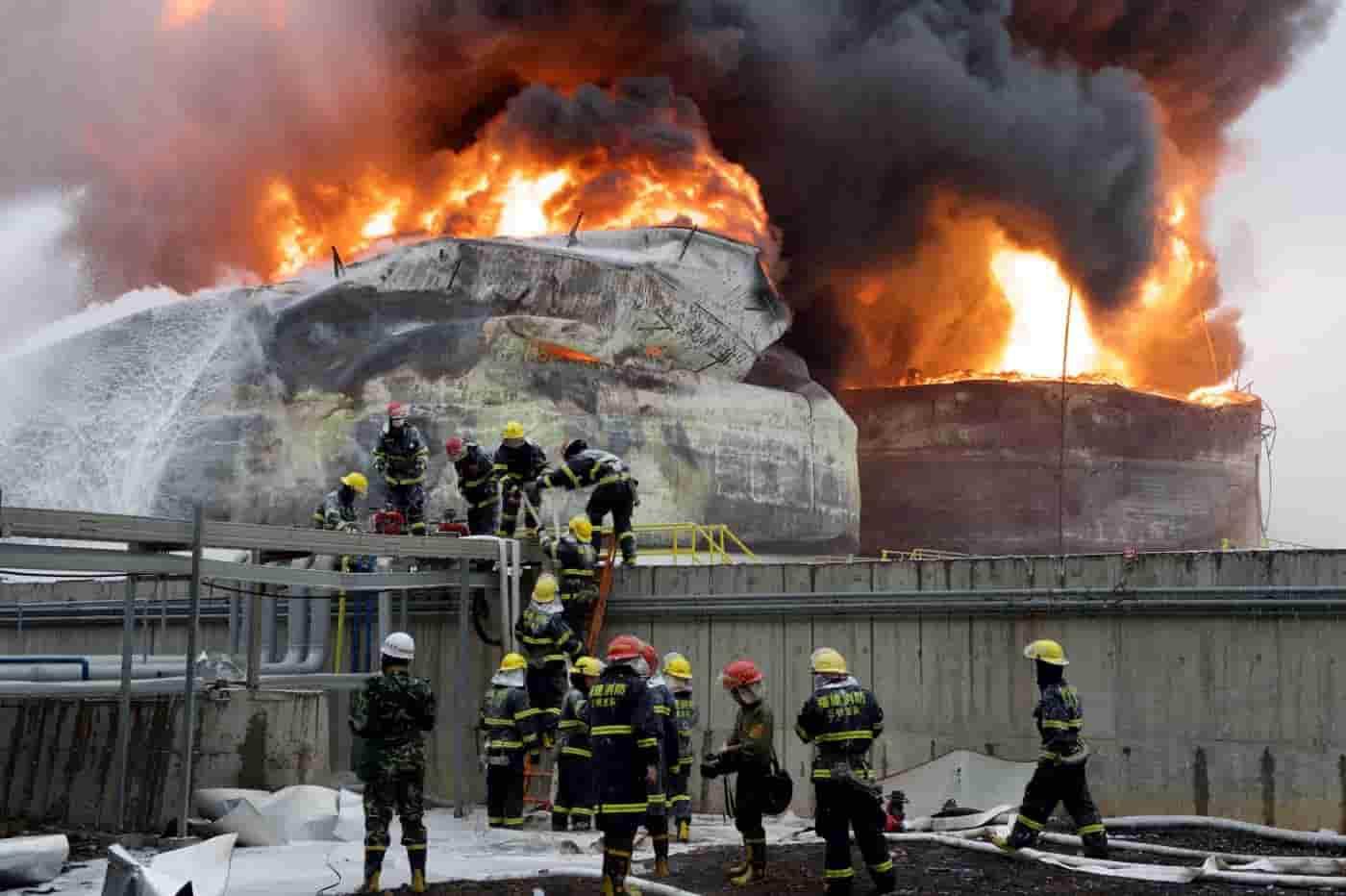 Cina, violenta esplosione impianto chimico: grave bilancio di morti e feriti