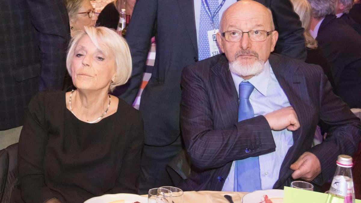 """Tiziano Renzi, revocati i domiciliari per lui e la moglie: """"Non ci basta"""""""