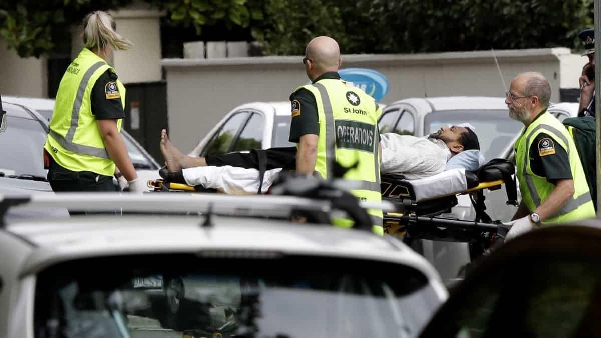 """Strage in Nuova Zelanda, due attentati con morti e feriti. La Polizia: """"Atto senza precedenti"""""""