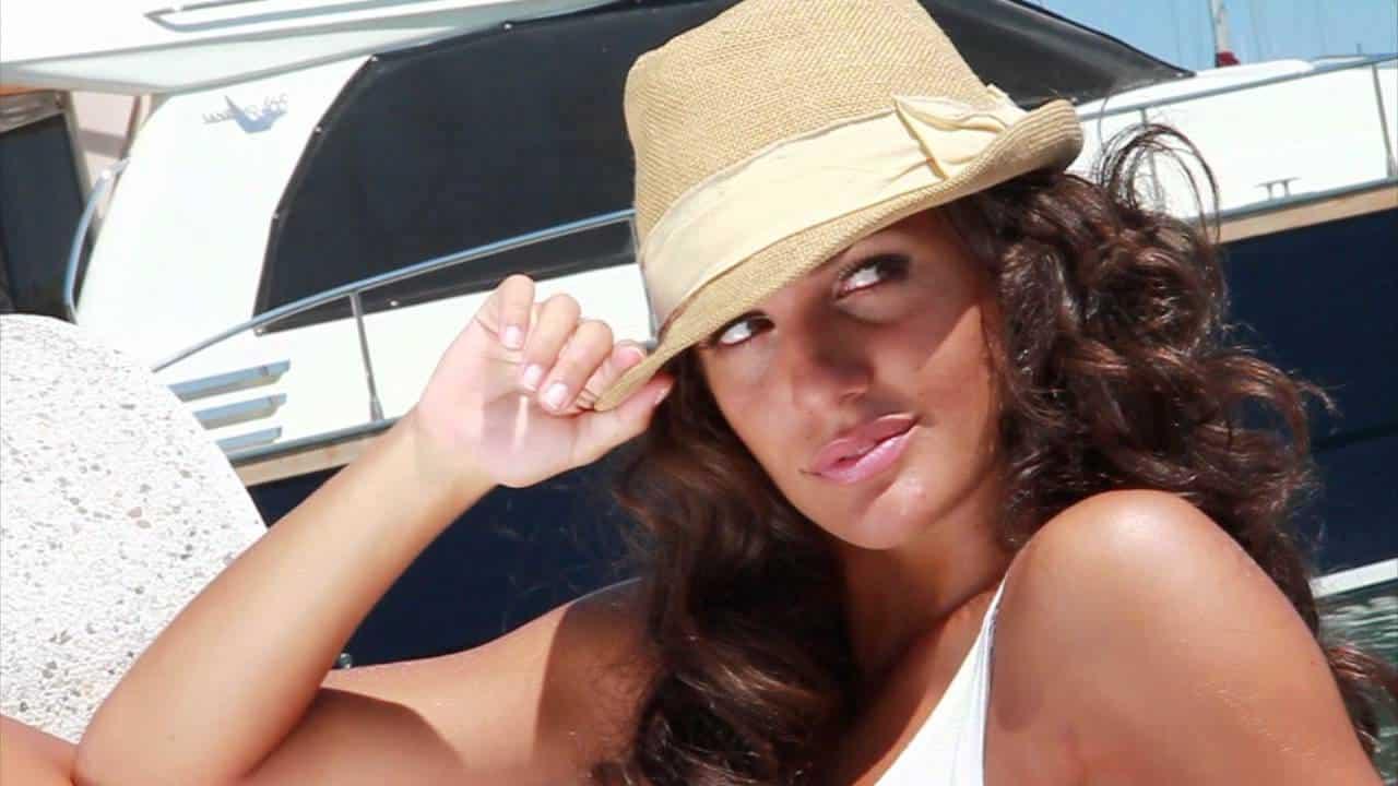Elena D'Amario, notte di baci e passione: pizzicata con il nuovo fidanzato