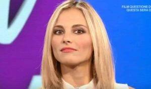 Francesca Fialdini via da La Vita in diretta per le feste di Piazza