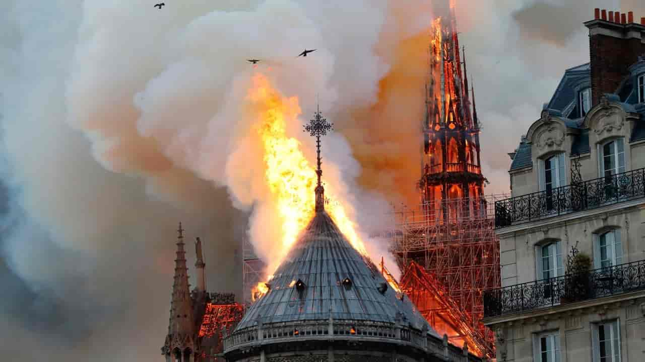 Parigi Incendio Notre Dame