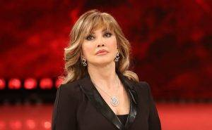 Milly Carlucci infortunio