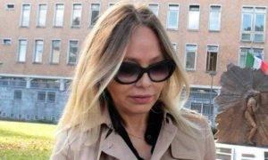 ornella muti condannata a sei mesi di reclusione per truffa aggravata