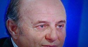 Gerry Scotti, dopo l'incidente necessarie stampelle per il figlio Edoardo