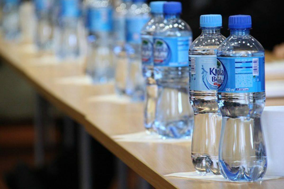 bottiglia d'acqua