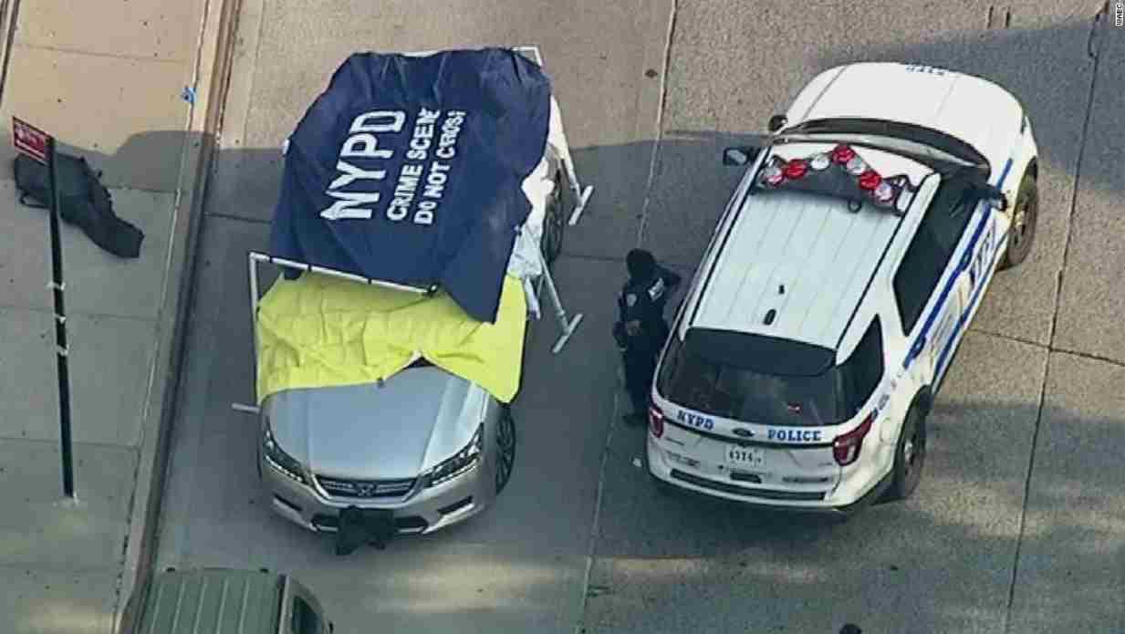 Dimenticati in auto per ore: muoiono due gemellini di un anno