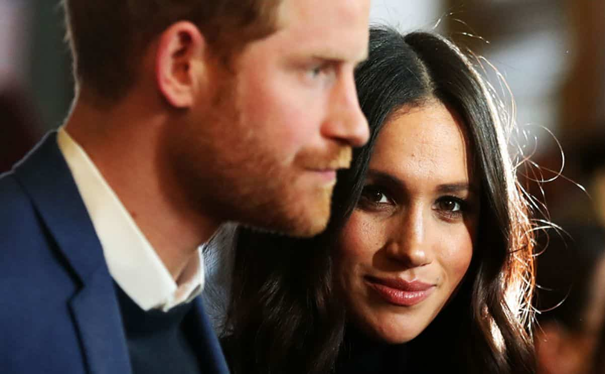 Meghan Markle accusata dai sudditi di costringere Harry all'ipocrisia