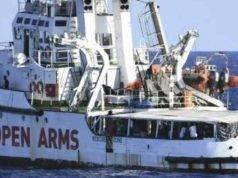 Open Arms, nave sequestrata dalla Procura: migranti sbarcati a Lampedusa
