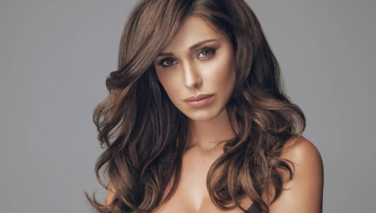 Belen Rodriguez taglia la frangia, i capelli irriconoscibile