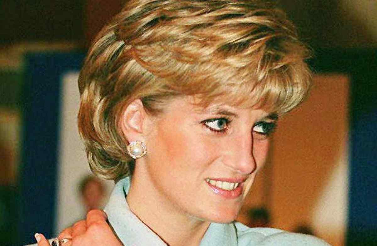 Lady Diana, il retroscena: costretta a dormire a terra per Harry