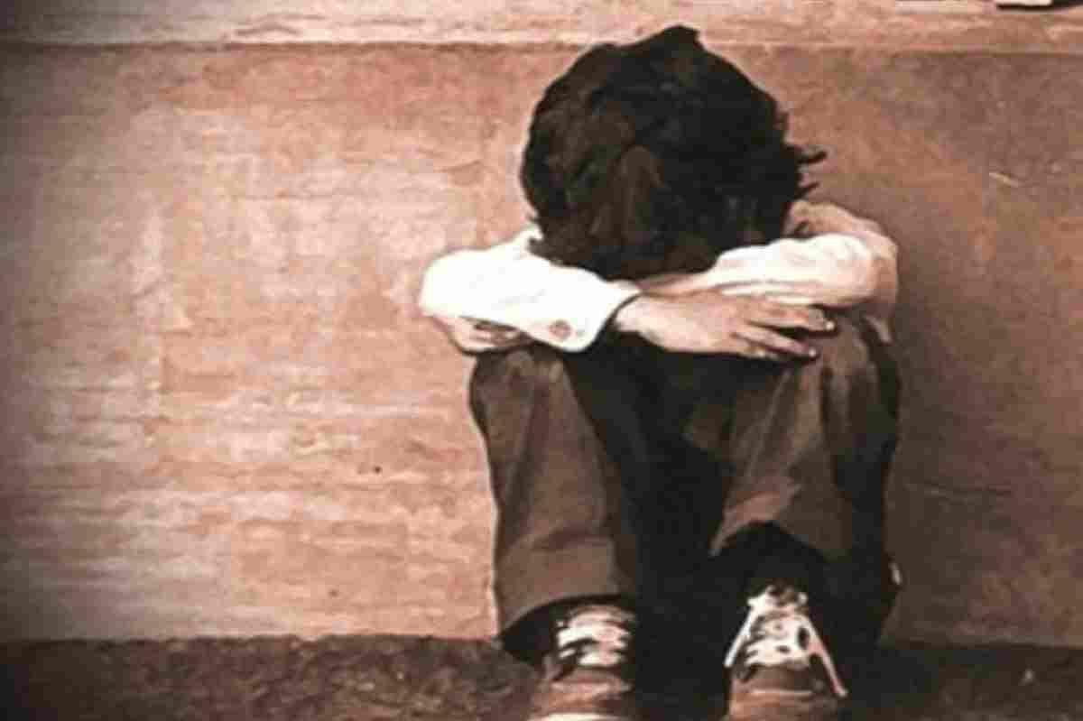 Violenta e minaccia un bambino per quattro anni: arrestato il vicino di casa... - LettoQuotidiano