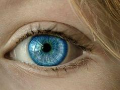 candeggina negli occhi