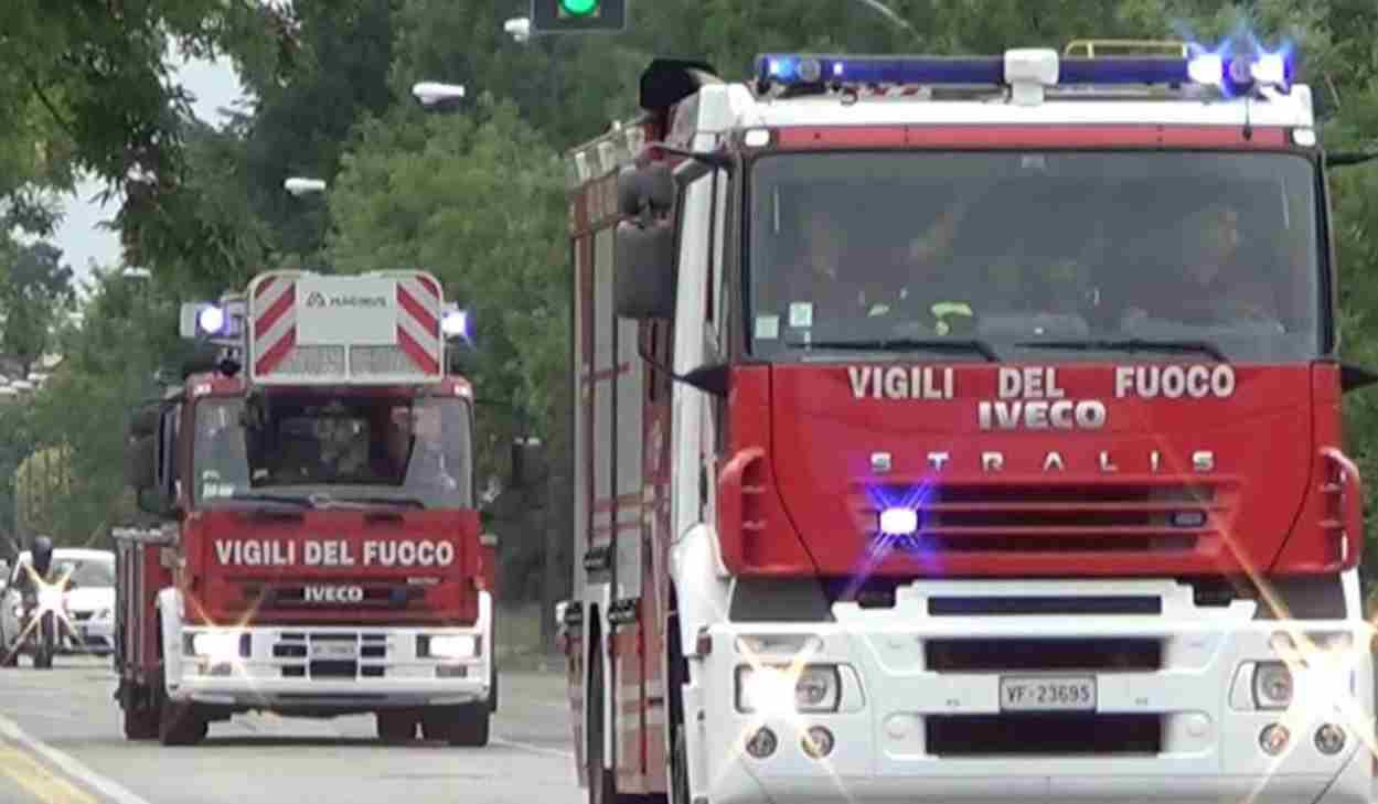 """Scoperti due cadaveri a Milano dai Vigili del Fuoco: """"Bruciati in un incendio"""""""