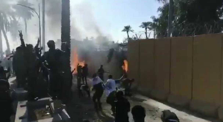 Iraq, l'ira di Donald Trump dopo l'assalto all'ambasciata Usa di Baghdad