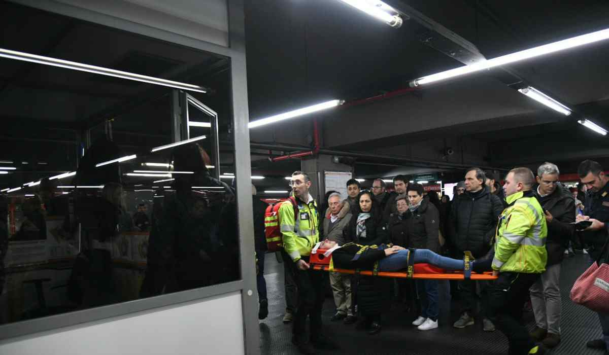 incidente metro milano