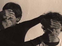 Stupra i due fratellini
