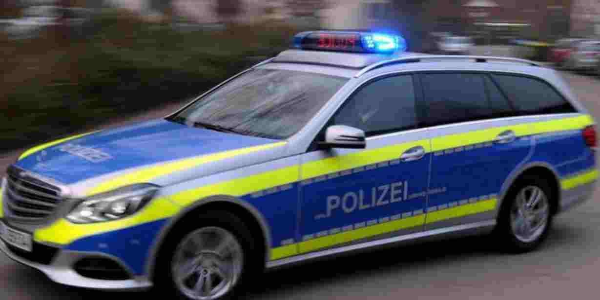 Germania, scuolabus finisce in un fossato: morti 2 bambini, venti i feriti
