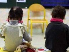 Maltrattamenti, bambini dell'asilo picchiati e offesi: in arresto due maestre a Roma