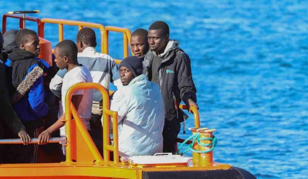 migranti puglia