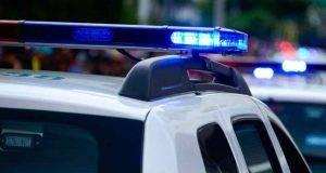 Sparatoria alle Hawaii, due poliziotti morti e 12 case bruciate: la follia per uno sfratto