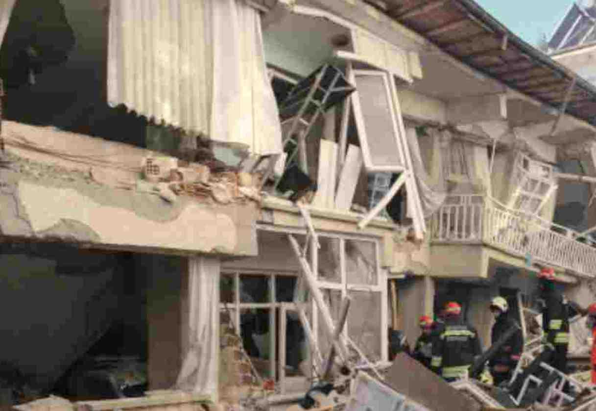 Terremoto in Turchia, il bilancio è di 22 morti e 1.103 feriti