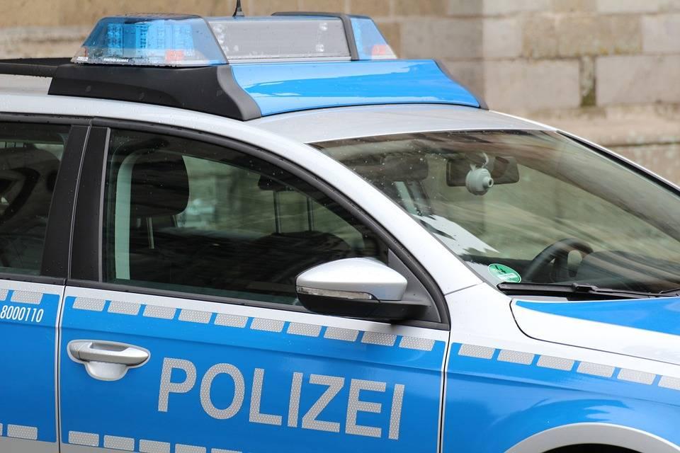 Auto contro un corteo di carnevale in Germania, 30 feriti