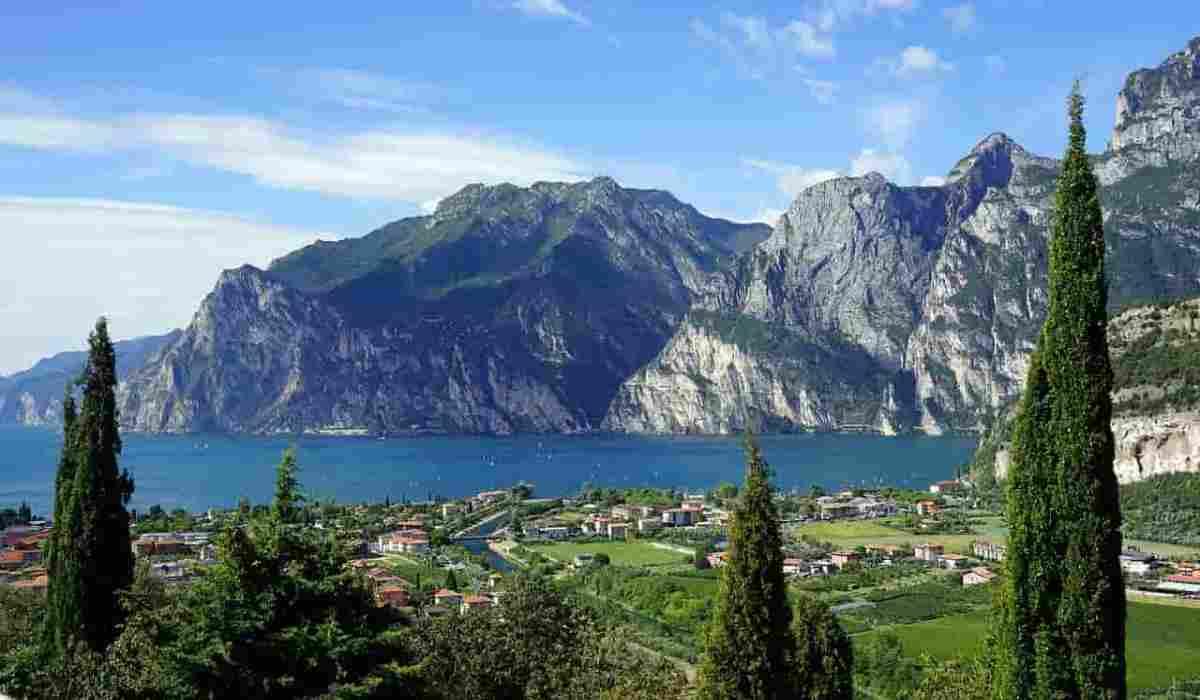 Cammino di Bardolino, un percorso tra vigneti e le colline del Lago di Garda