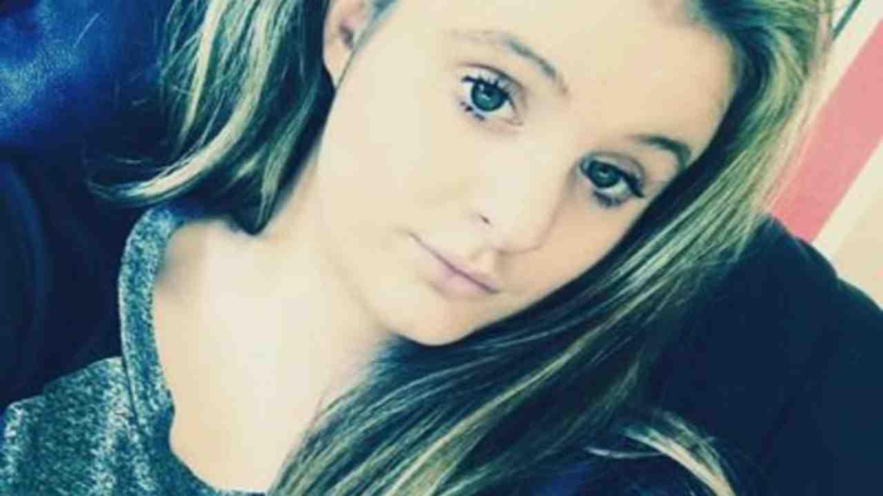 Chloe Middleton, muore a 21 anni per il coronavirus: le parole strazianti della madre