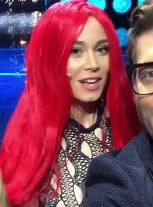 Diletta leotta con i capelli rossi