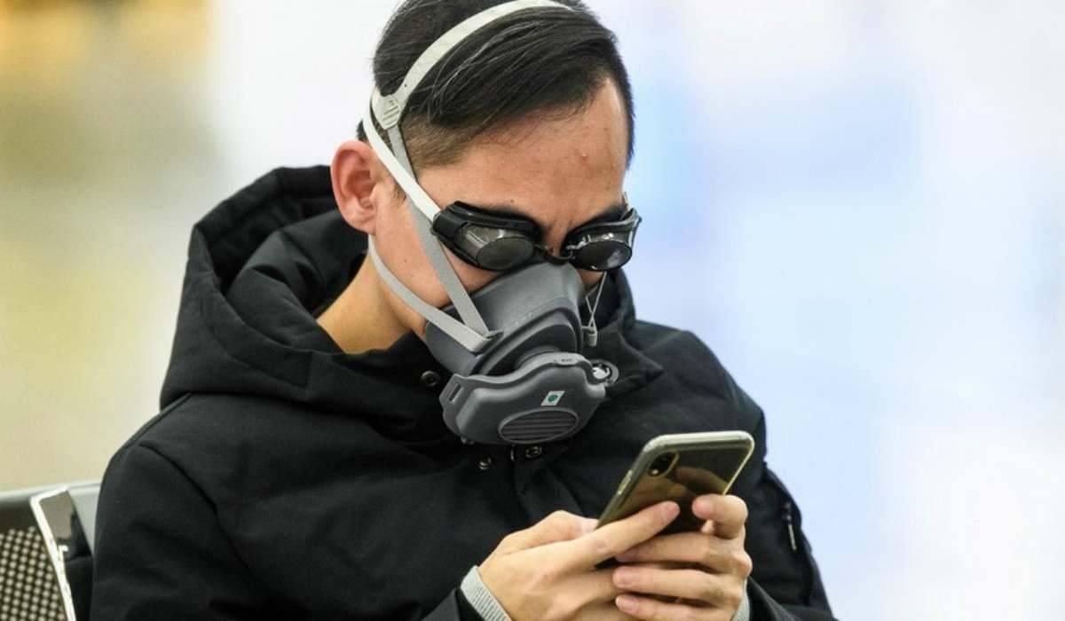 Coronavirus, pulire lo smartphone