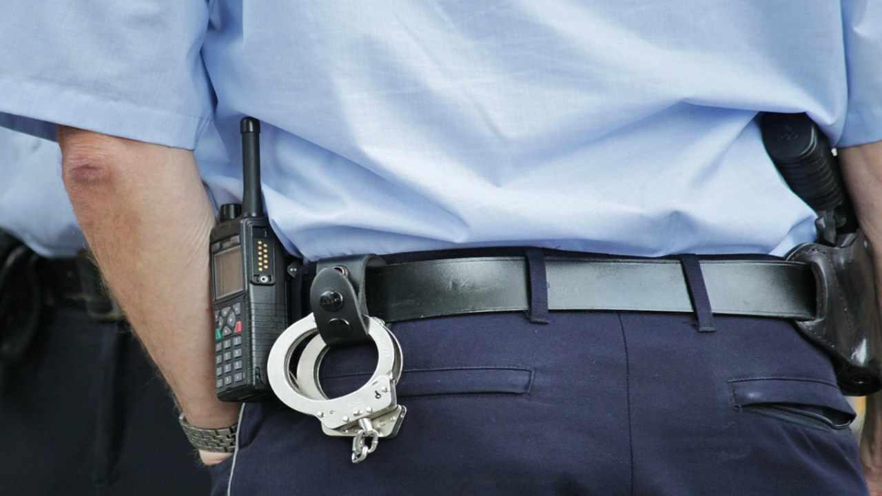 Napoli, due chili di esplosivo in auto: scattano le manette per due uomini
