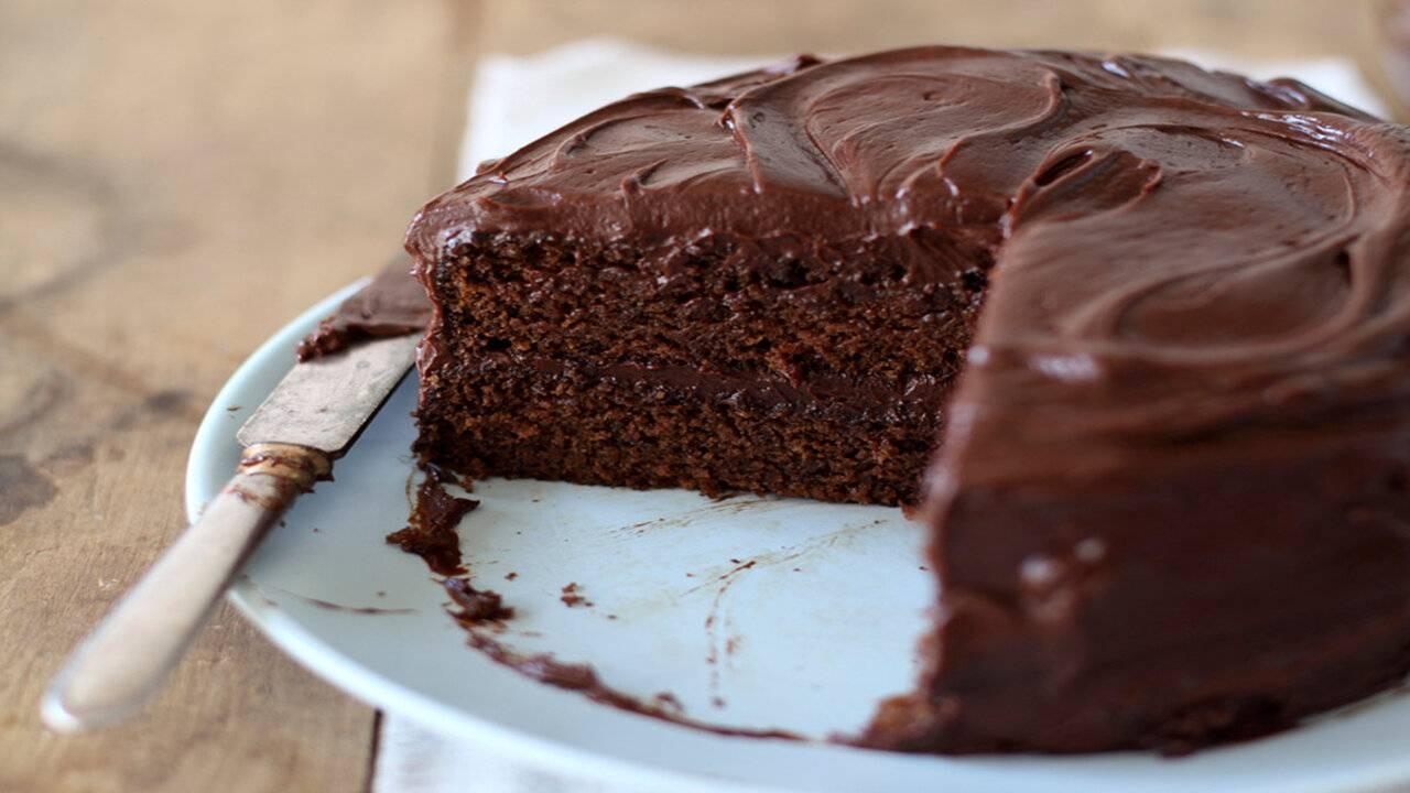 Ricetta Torta Al Cioccolato Glassata.Torta Al Cioccolato Fondente Alla Nutella Morbidissima In 20 Minuti